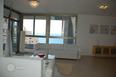 Apartments with pools for sale in Israel. Apartment - Netanya, Center District, Israel