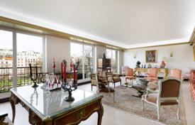 Luxury apartments for sale in Ile-de-France. Paris 16th District – A recently renovated 160 m² apartment