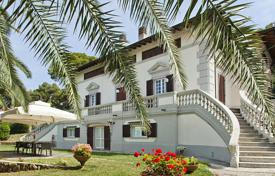 Villa in Art Nouveau style with a swimming pool, on the beach in Castiglioncello for 3,800,000 €