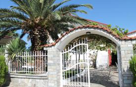 Coastal houses for sale in Thessaloniki. Detached house – Thessaloniki, Administration of Macedonia and Thrace, Greece