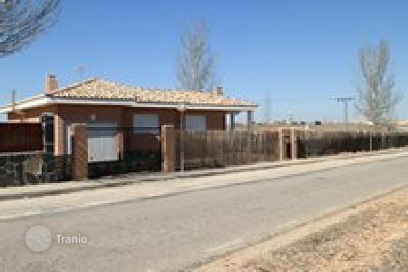 Residential for sale in Pioz. Villa – Pioz, Castille La Mancha, Spain