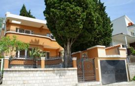 4 bedroom houses for sale in Sutomore. Cozy house with two terraces, a garden and sea views, Sutomore, Bar, Montenegro
