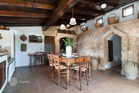 Property to rent in Torre Suda. Historic house of the 19th century, with a garden and a barbecue area, in a residence with a swimming pool, Torre Suda, Italy