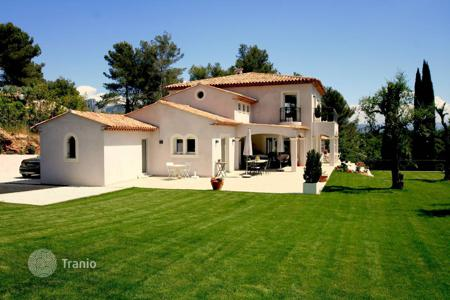 Luxury 5 bedroom houses for sale in Saint-Paul-de-Vence. Beautiful home with refined finishings in Saint Paul de Vence
