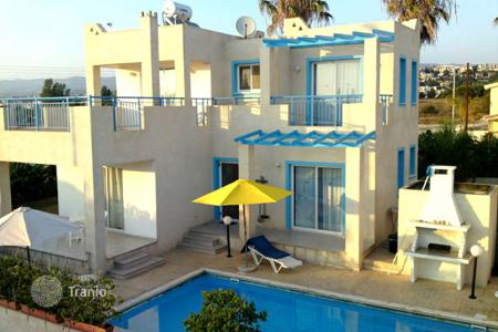 Villas and houses by the sea for rent with swimming pools in Chloraka. Villa – Chloraka, Paphos, Cyprus