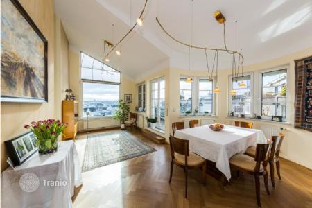 Luxury penthouses for sale in Vienna. Modern, luxury penthouse apartment with several terraces and panoramic views over Vienna in the 6 district — Mariahilf