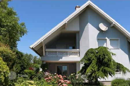 4 bedroom houses for sale in Austria. Three-storey house with garage and garden in Gross-Enzersdorf, Vienna suburb