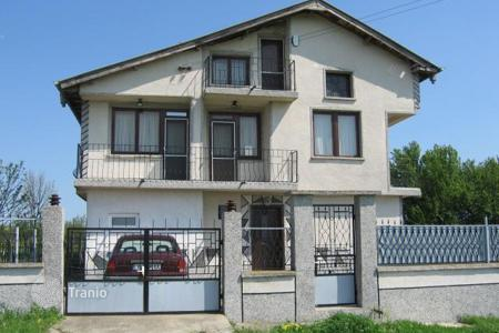Cheap houses for sale in Yambol. Townhome – Yambol (city), Yambol, Bulgaria