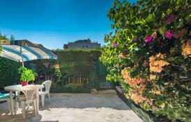 1 bedroom apartments for sale in Nice. Lanterne, a lovely 2 room garden level apartment with a delightful exterior