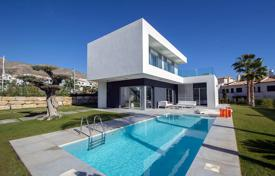 Modern villa with 4 bedrooms and private pool in Sierra Cortina, Benidorm for 695,000 €