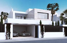 Luxury 6 bedroom houses for sale in Marbella. 7 brand new Villas? Puente Romano? Golden Mile
