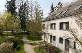 Luxury property for sale in Bavaria. Two-level apartment with a terrace, in a residence with a parking, in Bogenhausen district, Munich, Germany