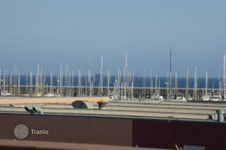 Townhouses for sale in Barcelona. For sale a lovely townhouse, with fantastic SEA VIEWS, at 10 min to the beach