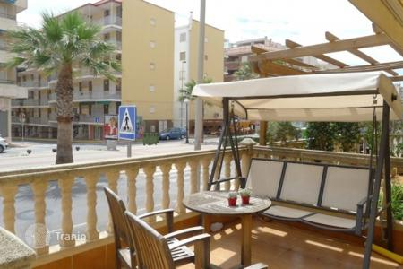 Coastal residential for sale in Guardamar del Segura. Terraced house – Guardamar del Segura, Valencia, Spain