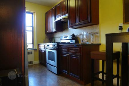 Residential to rent in Brooklyn. Spacious blissful apartment near Brooklyn College and Public transportation