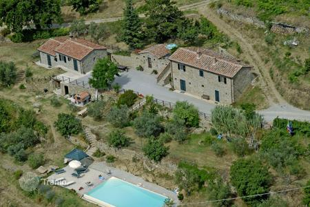 Villas and houses for rent with swimming pools in Italy. Villa – Cortona, Tuscany, Italy