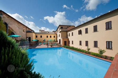 Hotels for sale in Tuscany. 4-Star Hotel for Sale in the Historical Center of Volterra — Tuscany