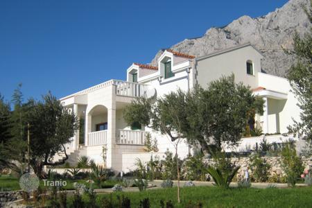 Coastal houses for sale in Makarska. Villa Makarska Visoko Brdo