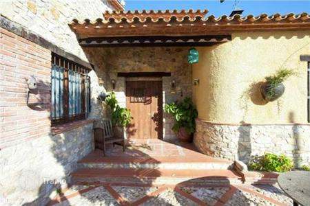 6 bedroom houses for sale in Calafell. Villa – Calafell, Catalonia, Spain