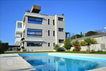 Houses with pools for sale in Chalkidiki. Villa in Thessaloniki