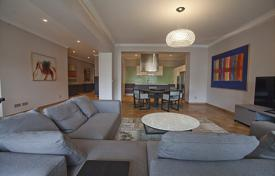Apartments for sale in Ljubljana. This is a substantial, bright, 3 bedroom apartment overlooking the famous Mestni Trg Street