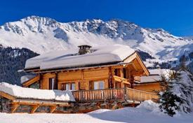 Chalets for rent in Valais. Comfortable chalet with 8 bedrooms, jacuzzi, sauna, massage room and parking. Switzerland, Verbier