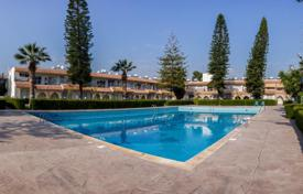 1 bedroom apartments by the sea for sale in Germasogeia. The apartment is 100 meters from the sea in a residential complex with two swimming pools, Limassol, Cyprus