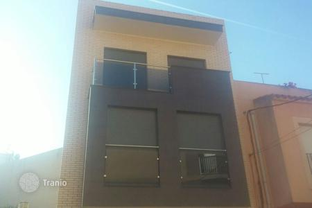 Cheap residential for sale in Castellón. Villa – Castellón, Valencia, Spain