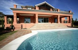 A stunning villa of magnificent quality with fabulous views over the golf course to the sea for 4,000,000 €