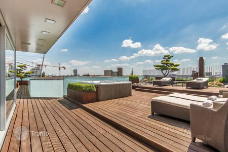 Luxury penthouses for sale in Berlin. Precious seven-room penthouse with outdoor terrace of 250 m², barbecue area and a Japanese garden, Tiergarten district, Berlin