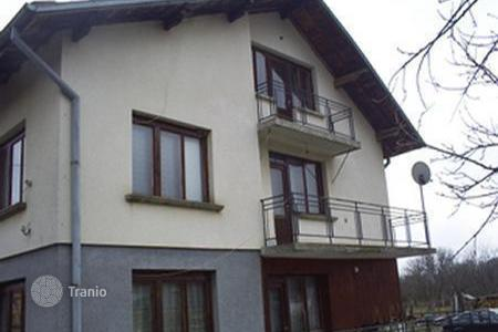Cheap residential for sale in Sofia region. Townhome - Pravets, Sofia region, Bulgaria