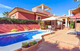 Property for sale in Algorfa. 3 bedroom villa with private pool, solarium, summer terrace and 420 m² plot with BBQ in Algorfa