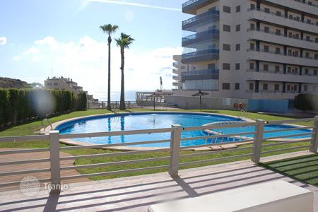 Apartments with pools for sale in Arenals del Sol. 3 bedroom apartment overlooking the sea at 200 meters from the beach in Arenales del Sol