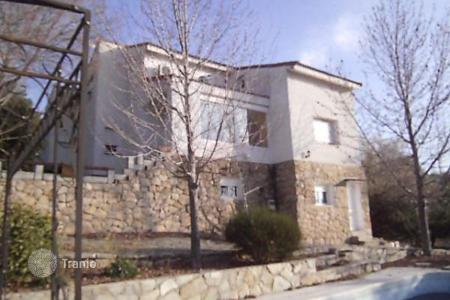 Bank repossessions houses in Robledo. Villa – Robledo, Madrid, Spain