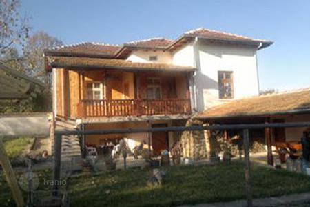 Cheap houses with pools for sale in Bulgaria. Townhome - Pravets, Sofia region, Bulgaria