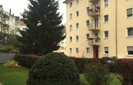 Cheap property for sale in Bavaria. Apartment in Nuremberg opposite the Volkspark and lake Dutzendteich