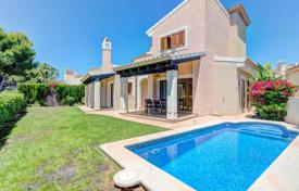 3 bedroom houses for sale in Balearic Islands. Villa with a pool and a parking near the golf course, in an elite comfortable residential compex, Santa Ponsa, Spain