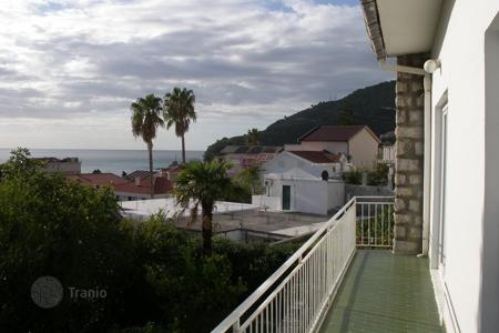 Coastal houses for sale in Petrovac. Townhome – Petrovac, Budva, Montenegro