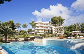 Residential for sale in Sol de Mallorca. Apartment in a prestigious residential complex with swimming pool and garden, by the sea in Sol de Mallorca, Mallorca, Baleares, Spain