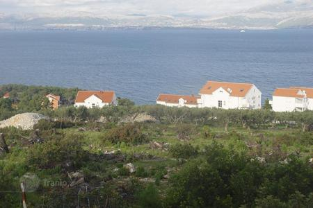 Development land for sale in Split-Dalmatia County. Land in Sutivan on island Brač