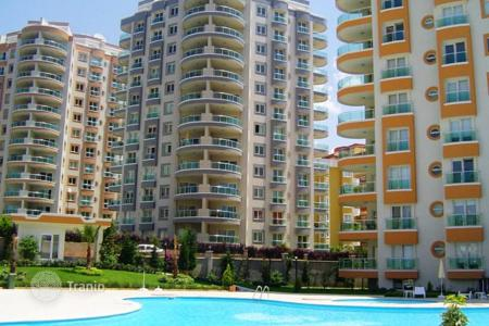 Cheap apartments with pools for sale in Western Asia. Modern apartment n the center of Alanya, 400 m from the sea. Developed area and 5-star infrastructure in the complex. High rental potential!