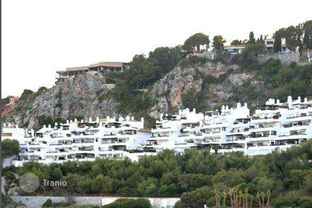 Luxury apartments with pools for sale in La Herradura. Penthouse – La Herradura, Andalusia, Spain
