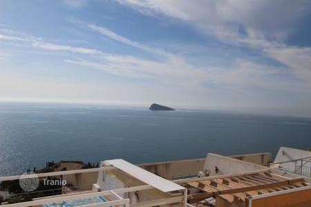 2 bedroom apartments for sale in Benidorm. Apartment in Benidorm, Spain. Residence on the seafront