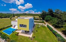 Houses with pools for sale in Žminj. Townhome – Žminj, Istria County, Croatia