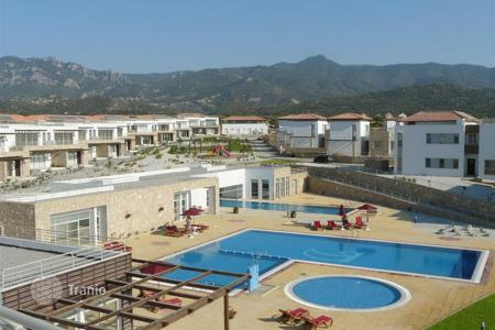 1 bedroom apartments by the sea for sale in Kyrenia. Fully furnished apartment in a new residential complex in North Cyprus