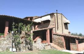 Property for sale in Lucignano. Ancient villa with a swimming pool in Lucignano, Tuscany, Italy