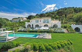 6 bedroom villas and houses to rent in Ramatuelle. Fantastic villa Ramatuelle
