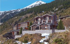 Residential for sale in Andorra. New three-storey villa with terraces and picturesque mountains views, Soldeu, Canillo, Andorra