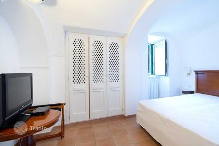 Property to rent in Amalfi. Villa – Amalfi, Campania, Italy