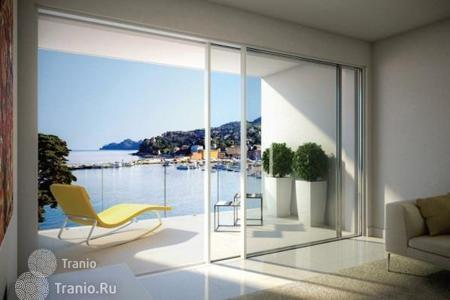 Luxury new homes for sale in Italy. Spacious apartment with a parking space in a new residence on the seafront in Santa Margherita Ligure, Italy